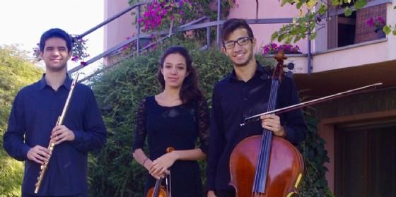 Trio Luzzan, la giovane violinista novarese Arianna Luzzani in ensemble con i fratelli Enea e Gabriele