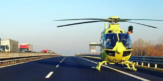 Motociclista cade in autostrada: 8 km di coda