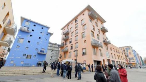 La palazzina blu ospitava il ghanese