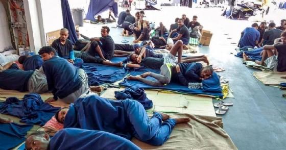 Migranti a bordo della nave Diciotti della Marina militare italiana