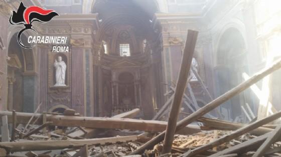 La chiesa dopo il crollo
