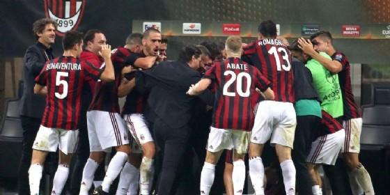 La gioia dei rossoneri dopo un gol nella passata edizione dell'Europa League