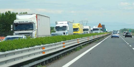 A4 e A23: code di mezzi pesanti dovute a traffico molto intenso