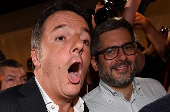 Matteo Renzi all'arrivo alla festa del Pd