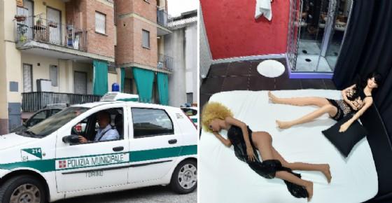 I controlli della municipale e le bambole sequestrate