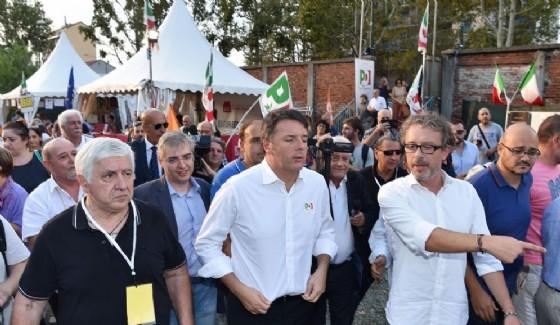 L'ex segretario del Pd Matteo Renzi alla festa dell'Unità di Torino