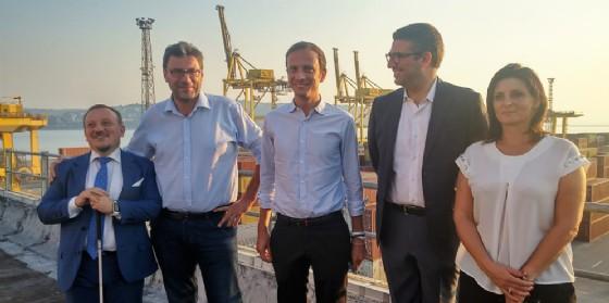 Giorgetti in visita a Trieste: «Incredibili le cifre del trend del porto»
