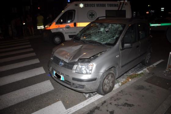 Auto travolge pedone mentre attraversa la strada in corso Siracusa: 52enne gravissimo al Cto