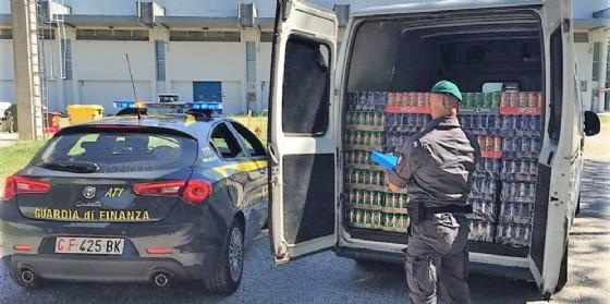 Gorizia, maxi sequestro di birra importata illegalmente: 6 denunce per contrabbando
