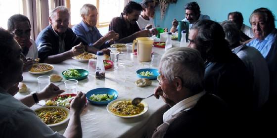 """Cibo e solidarietà, arriva in Friuli Venezia Giulia """"Un pasto al giorno"""": volontari in regione"""