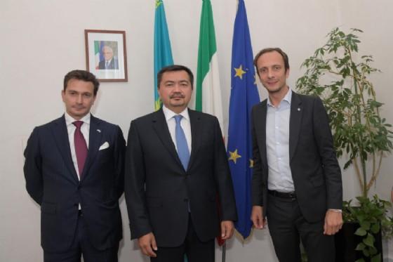 Incontro tra il governatore Massimiliano Fedriga e l'ambasciatore del Kazakistan Sergey Nurtayev, accompagnato dal console onorario a Trieste Luca Bellinello