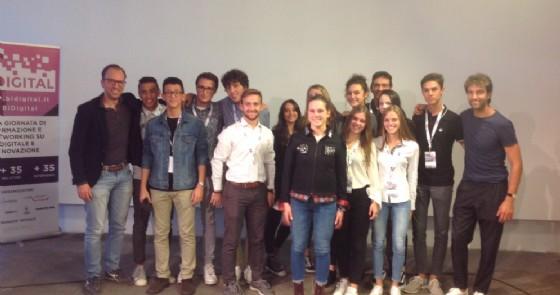 Il team di BeYour Jacket, vincitore di BIfuel 2.0