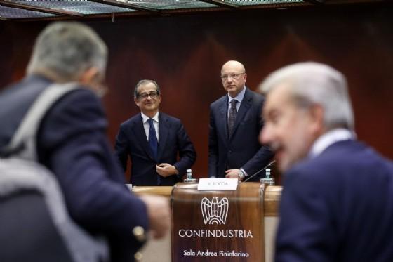 Il presidente di Confindustria Vincenzo Boccia con il ministro dell'Economia Giovanni Tria