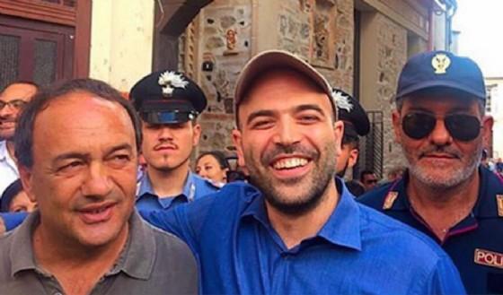 Mimmo Lucano con Roberto Saviano