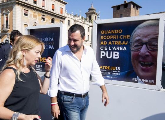 Giorgia Meloni con Matteo Salvini ad Atreju
