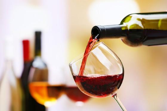 Bere vino o birra ogni giorno aumenta il rischio di morte prematura