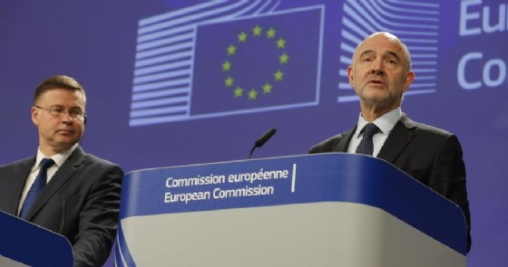 I commissari europei Valdis Dombrovskis e Pierre Moscovici