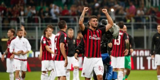 La gioia dei rossoneri dopo la vittoria contro la Roma