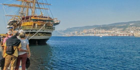 Boom di visite alla nave Vespucci: 9.600 persone in due giorni