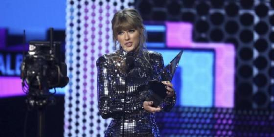 Taylor Swift «sbanca» gli AMA 2018