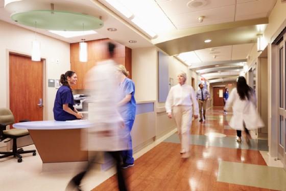 Donna guarisce dal cancro ma muore il suo primo giorno di lavoro