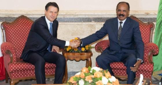 Il presidente del consiglio dei ministri Giuseppe Conte e il presidente dell'Eritrea Isaias Afewerki