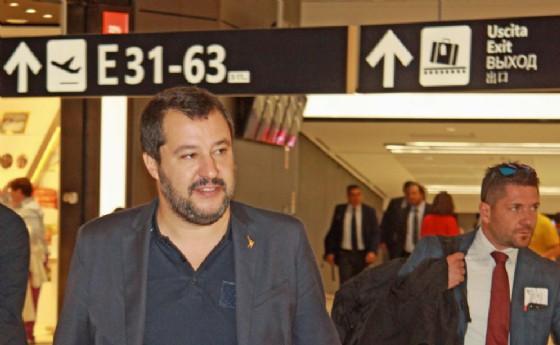 Salvini: baci da Mosca. Europa matrigna, non ci avrai