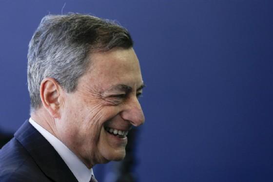 Draghi difende l'indipendenza della BCE dalla politica