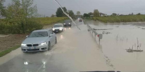Pordenone: strade e parcheggi chiusi. La Protezione Civile monitora tutto il territorio
