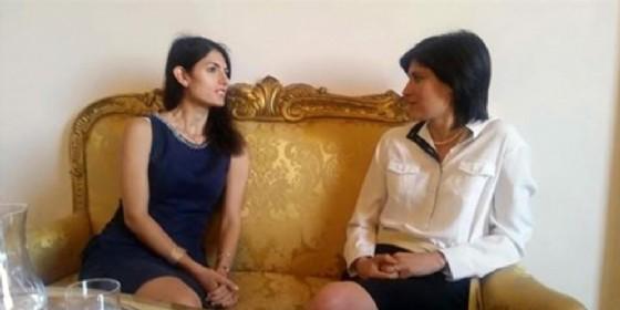 Le due sindache M5s di Roma e Torino Virginia Raggi e Chiara Appendino