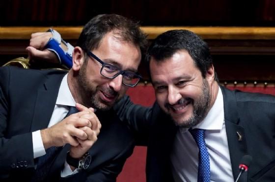 Il ministro della Giustizia Alfonso Bonafede con quello dell'Interno Matteo Salvini
