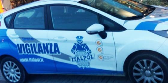 Trieste, ubriaco cerca di colpire le guardie giurate impegnate nel controllo dei biglietti