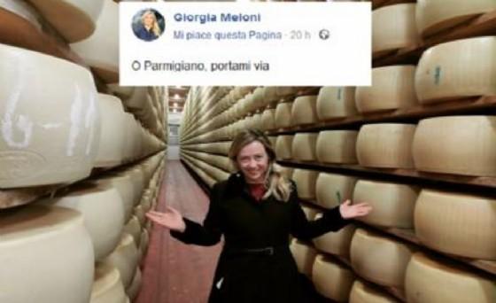 La foto e il commento di Giorgia Meloni sotto accusa