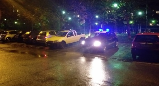 I residenti si ribellano alla droga, blitz dei carabinieri al «giardino del fumo»