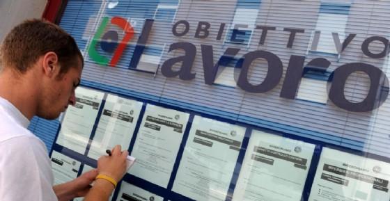 Sale il tasso di disoccupazione dei giovani ad ottobre, ora al 32,5%