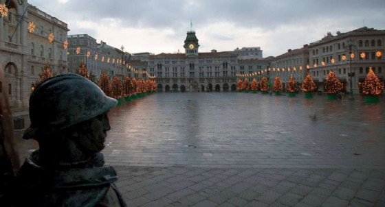 Natale 2018: accese le luci in città e in piazza Unità