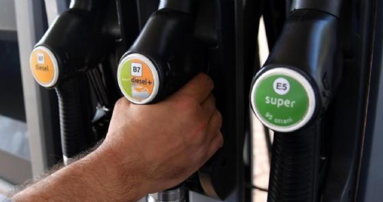 Accise benzina 2019: riduzione bocciata dalla Lega, nessun taglio