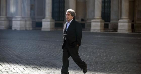 Il capogruppo alla camera di Forza Italia Renato Brunetta davanti a palazzo Chigi