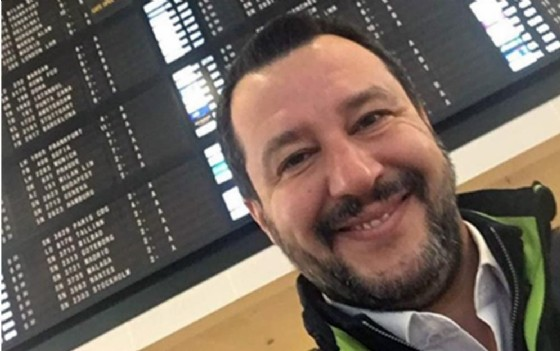 Matteo Salvini in una foto postata sul suo profilo Instagram al ritorno da Bruxelles