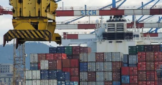 Container al porto di Genova