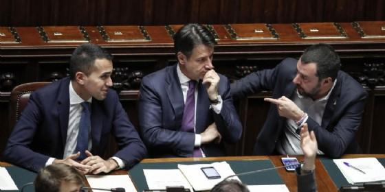 Luigi Di Maio (s), Giuseppe Conte e Matteo Salvini alla Camera