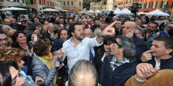 Salvini porta in piazza la Lega di Governo