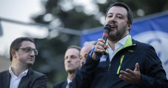 Roma, Piazza del Popolo gremita: Salvini è più che mai