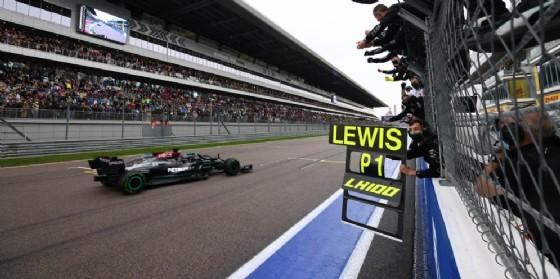 Lewis Hamilton torna alla vittoria e centra il 100esimo successo nel Mondiale di Formula Uno in un Gran Premio di Russia