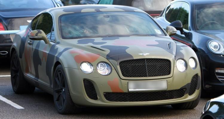 L'ormai celebre Bentley «mimetica» di Mario Balotelli ai tempi del Manchester City