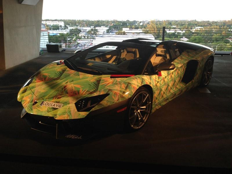 Anche LeBron James va in Lamborghini, ma a fiori...