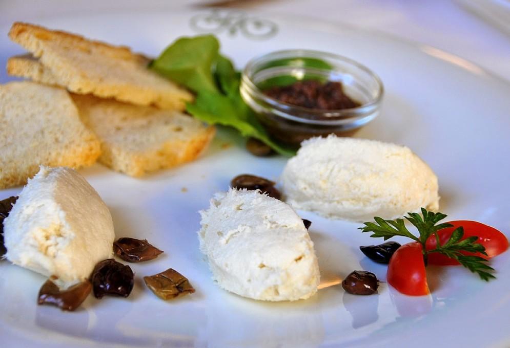 Il baccalà mantecato con olive taggiasche