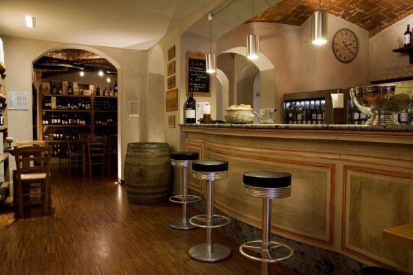 L'enoteca wine bar al piano terra