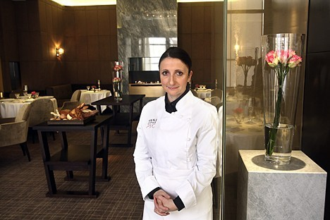 La chef francese in una delle sale del ristorante