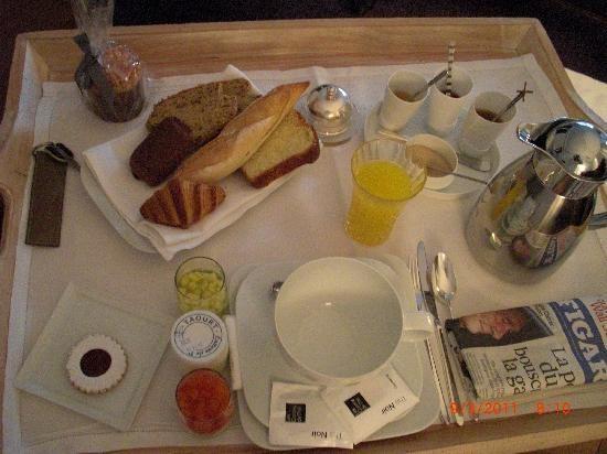 La colazione in camera (suite) servita in terrazza
